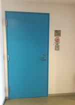 bluedoor2